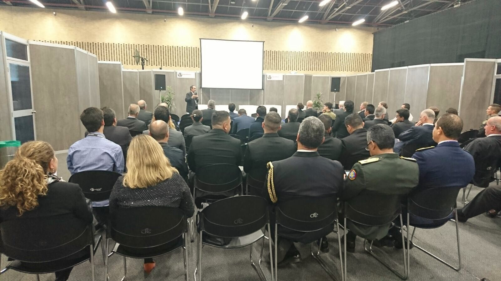 2017-12-04-Expodefensa-2017-1st-day-conference-exposant-saab